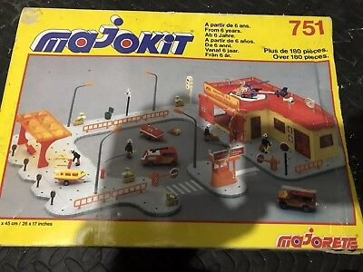 Majokit 751 Fire Station Vintage Toy Collectable