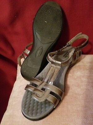 075841f13f3 Clarks Women s Shoes Patent T-Strap Sandals Sonar Aster in pewter sz10