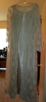 Vintage 1920s negligee gown.Great for an antique collector!Reduced price