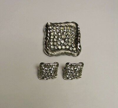 VINTAGE TRIFARI BROOCH PIN & matching EARRINGs set lot of 3  Nice estate find