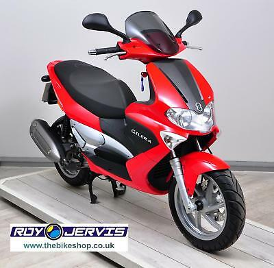 2006 (06) Gilera Runner 125 Scooter Red Two Owners ONLY 600 Miles