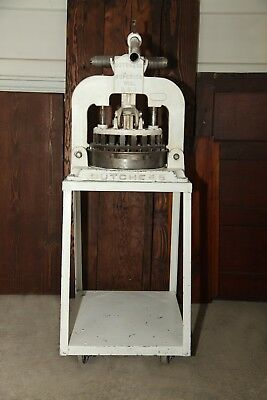 Commercial Dutchess Manual Dough Divider Model BM58 with Stand- Bakery- Bread