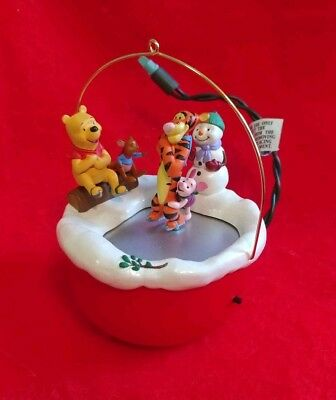 "Hallmark Disney ""Skating In Circles"" Winnie the Pooh+Tigger Motion Tree Ornament"