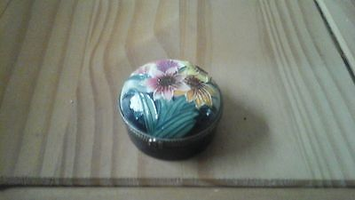 Old Tupton Ware Round Floral Trinket Box with Lid and Hinge