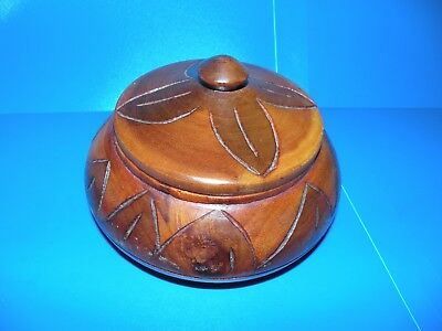 Vintage Hand Carved Wooden Bowl With Lid Carved Design Solid Wood T19