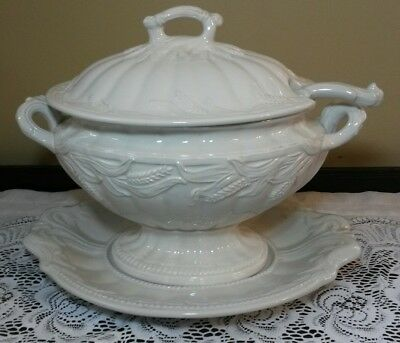 Large 3qt Red Cliff Ironstone Wheat Tureen & Underplate & Ladle