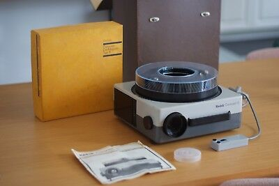 Kodak CAROUSEL S with Trays Vintage Slide Projector, Made in Germany, Working
