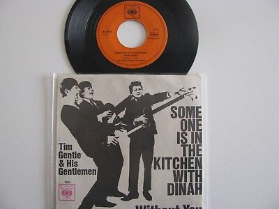 """Tim Gentle and his Gentlemen 7"""" Beat Someone is in the Kitchen"""