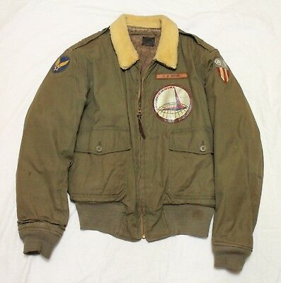 US B-10 Flying Flight Jacket Size 40 with Squadron Patches 007-962