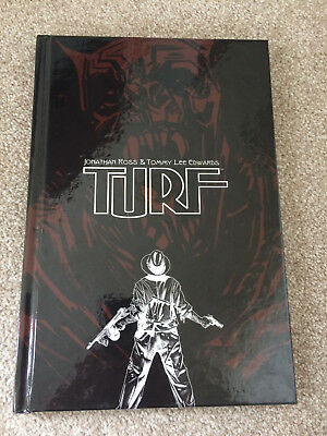 Turf Graphic Novel Jonathan Ross Tommy Lee Edwards Double Signed HB 978085769122