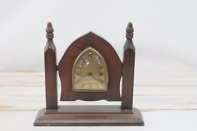 Vintage 1930s? New Haven Clock Co Gothic Style Table Clock Mantle Clock USA