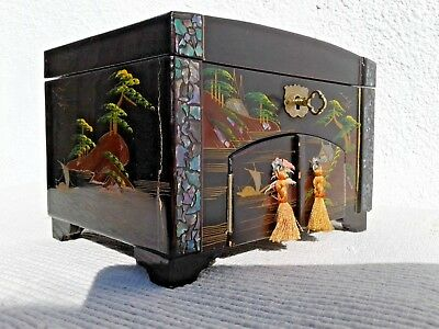 Vintage Japanese Lacquer / Mother Of Pearl Musical Jewellery Box