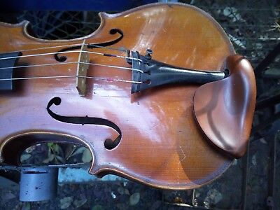 Violin sound, good condition with Bow, Nice chin rest. Only needs Clean adjust