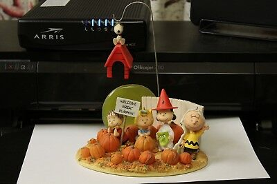 complete set HALLMARK PEANUTS IT'S THE GREAT PUMPKIN LINUS AND THE PUMPKIN PATCH