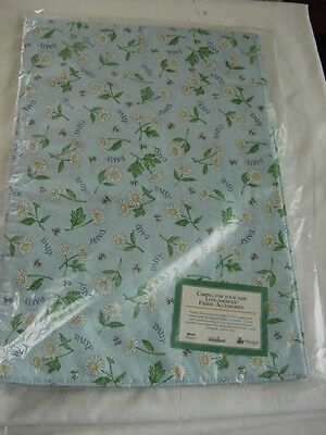 Nip Longaberger Placemats Set Of 2 Daisy Print