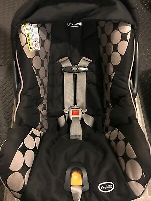 Chicco Keyfit 30 infant car seat with base.