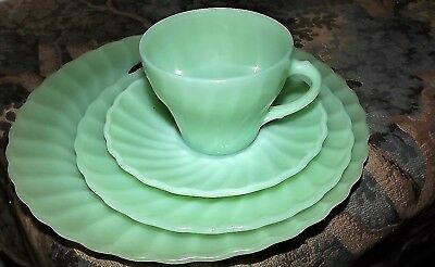 "Fire King  Anchor Hocking Swirl Set  Cup And Saucer Plus 2 Plates 10"" And 7 1/4"""