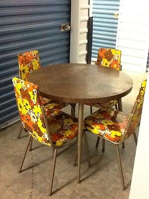 Vintage / Retro Metal And Vinyl Floral Print Dinette Set (6 Chairs, 4 In Pic)