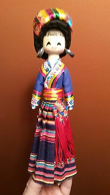 VINTAGE WOOD ASIAN CHINA DOLL HAND PAINTED Traditional Dress KOKESHI STYLE