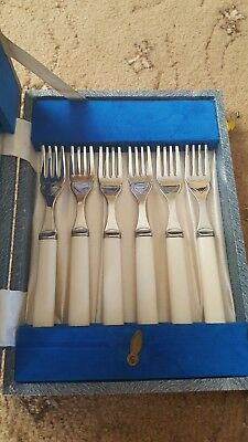 Retro Cultery Set - Boxed stainless steel