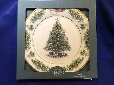 Lenox Limited Edition Christmas Trees Around the World Plate Netherlands 2002