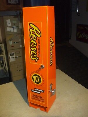 reese's peanut butter cups vending machine diner arcade candy