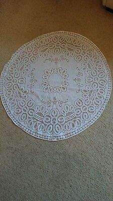 Vintage white lace tablecloth round 82cms.