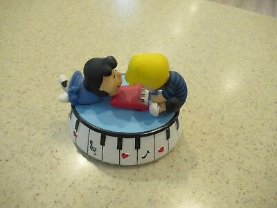 Peanuts Snoopy Lucy & Schroeder Westland Music Box Figure New