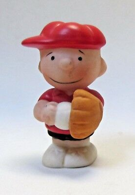 Charlie Brown Baseball Player Catcher by Willitts 1988 Porcelain Peanuts Gang