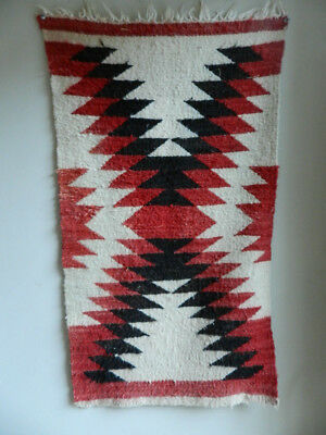 Outstanding Vntage Old Navajo Gallup Throw Rug, Nice Red Colors, Great Shape!