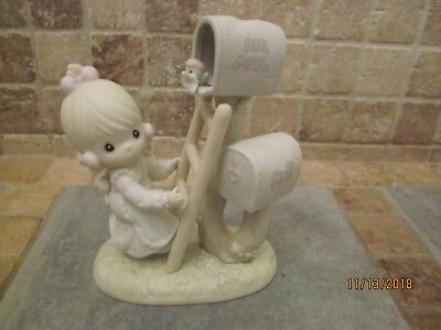 Precious Moments Good News Is So Uplifting 1991 Figurine