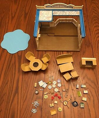 Calico Critters Seaside Restaurant w/ Accessories