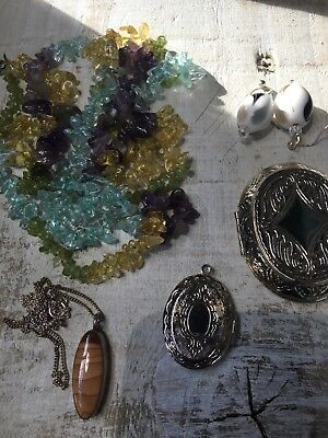 Job lot of victorian style costume jewellery x5 items
