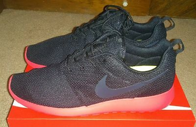 AUTHENTIQUE NIKE ROSHE Run NM Flyknit Rouge Blanc Chaussures Course 677243 603