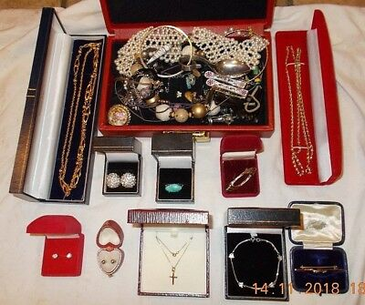 Job Lot of Vintage & Modern Jewellery Inclduing 9ct Gold & 925 Sterling Silver