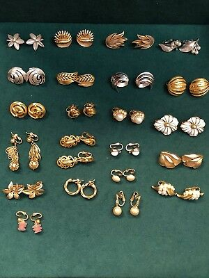 Lot Of Vintage Clip On  Earrings 22 Pair All Trifari