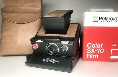 Polaroid SX-70 Alpha 1 Model 2 **TESTED** WITH FILM AND CAMERA CASE!!