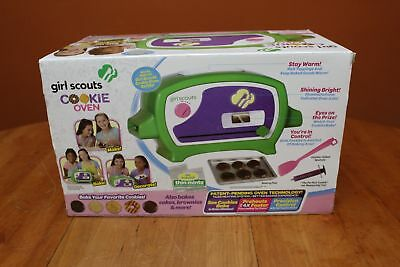 New Girl Scouts Cookie Oven with Chocolate Mix and Thin Mint Coating Sealed IOB
