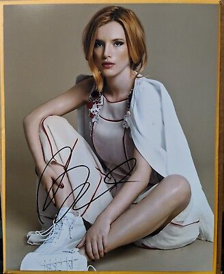 Bella Thorne Signed 11x14 Photo