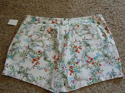 Land'N Sea Flat Front Zip Ladies White and Floral Casual Shorts Size 14