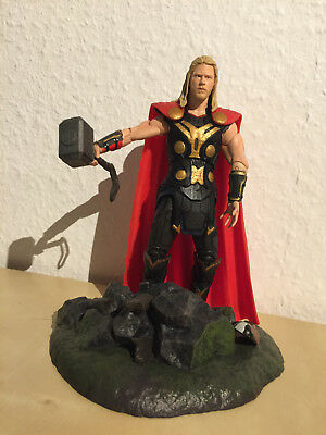 Thor Actionfigur Marvel Select / Diamond Select (aus Thor: The Dark World)