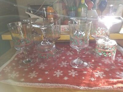 8 Arbys Christmas Holly Berry Wine Goblets Glasses Libbey Bow on Stem 1980's