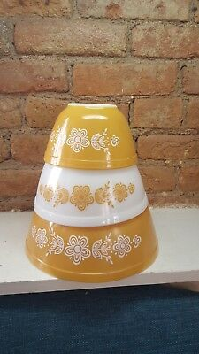 Vintage Pyrex Gold Butterfly Set of 3 Nesting Mixing Bowls; #401, #402 and #403