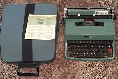 Vintage Olivetti Lettera 32 Typewriter Portable Carry Case Made In Barcelona