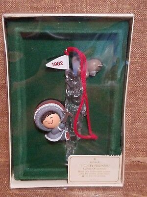 Hallmark  Frosty Friends Ornament  Eskimo And Dog On Icicle  Qx452-3