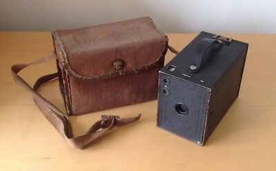 Nice Vintage Kodak No2 Model F box Brownie camera With Original Case