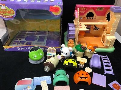 Hamtaro Ham-Ham House with Furniture and 6 Hamsters Costume Masks Original Box