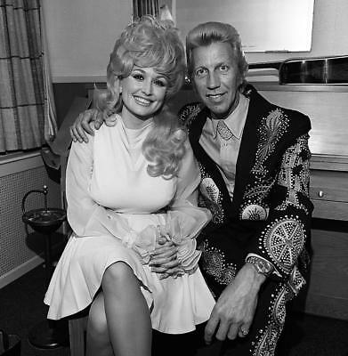 Henry Horenstein And Dolly Parton Posing Smiling 8x10 Photo Print