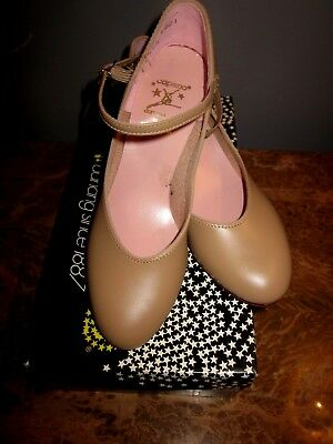 """Capezio Character Shoe Tan #550 Size 5N  1.5""""Heel Retro New with Box"""