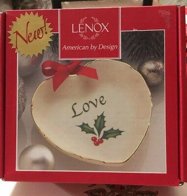 New Lenox Holiday Sentiment Heart Dish Love with Holly Christmas New In Box